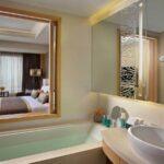 Executive Club Bathroom at Amari Watergate